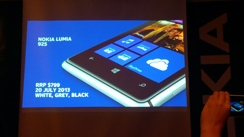 Lumia 925 Availability