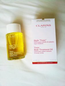 Clarin's tonic oil